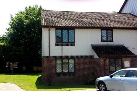 2 bedroom flat to rent - Penlee Close, Callington, PL17