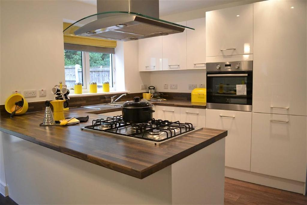 4 Bedrooms Semi Detached House for sale in Spinners View, Brierfield, Lancashire