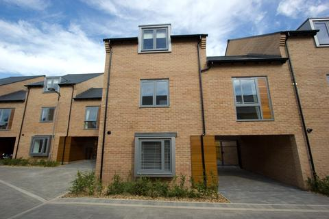 4 bedroom semi-detached house to rent - Huntsman Road, Trumpington, Cambridge, Cambridgeshire