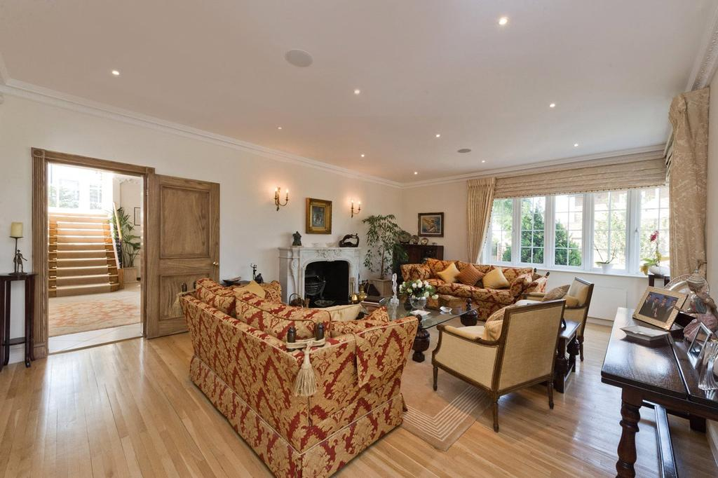 6 Bedrooms Detached House for sale in West Heath Close, Hampstead, London
