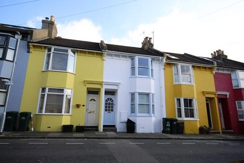 2 bedroom terraced house to rent - Whichelo Place, Brighton BN2