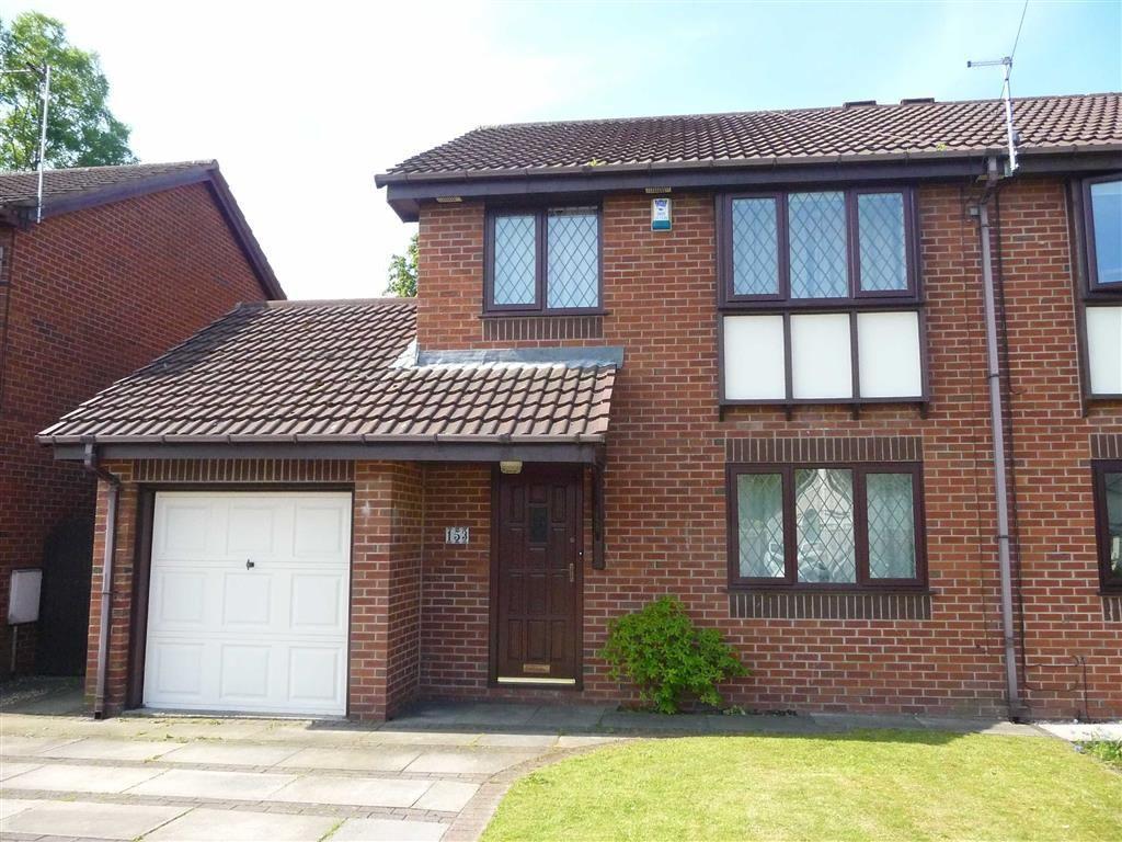 3 Bedrooms Semi Detached House for sale in Slater Lane, Leyland, PR26