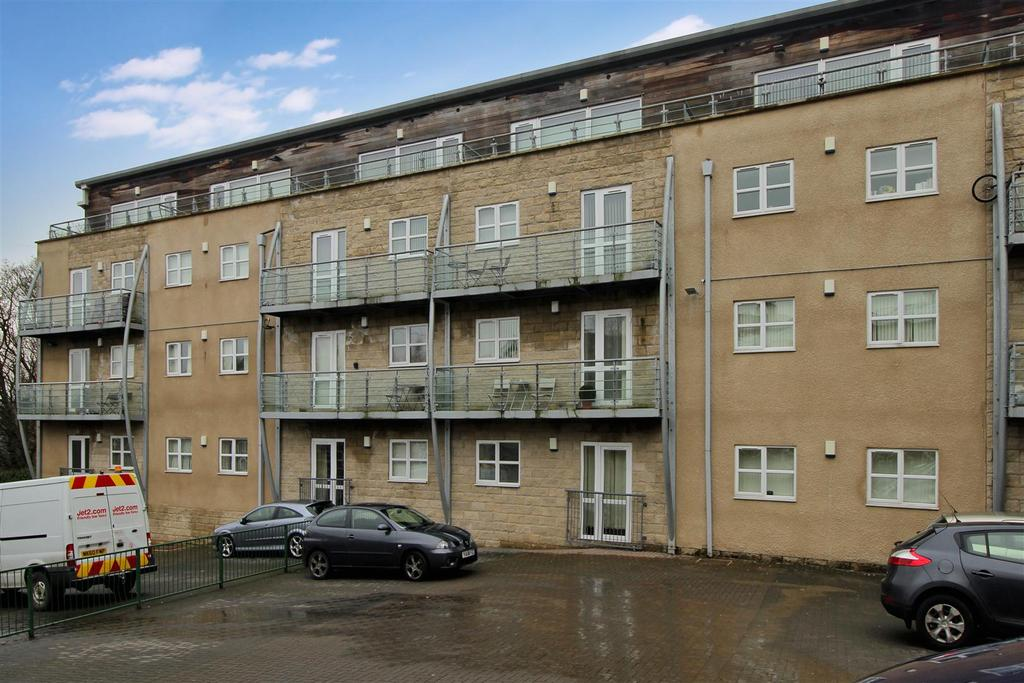 2 Bedrooms Apartment Flat for sale in Brackendale, Bradford