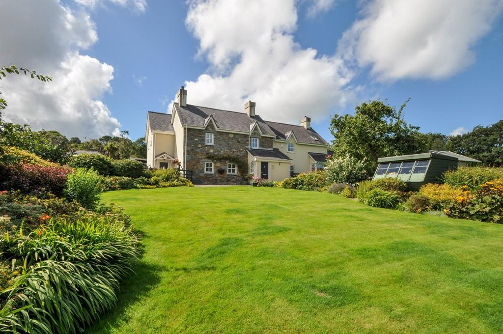 5 Bedrooms Detached House for sale in Coed y Parc, Bethesda, North Wales