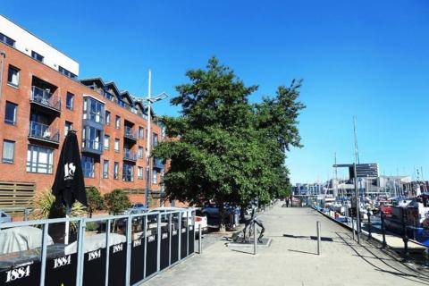 2 bedroom apartment to rent - Freedom Quay, Railway Street, HU1