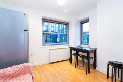 2 bedroom apartment to rent - Montana House, 136 Princess Street, City Centre