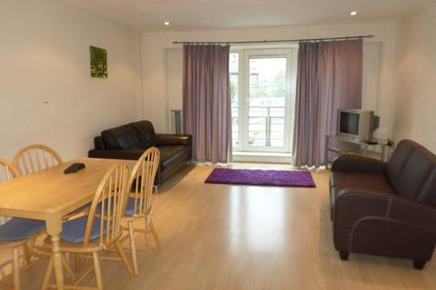 3 bedroom apartment to rent - Royal Plaza, Eldon street, Sheffield, S1 4GB