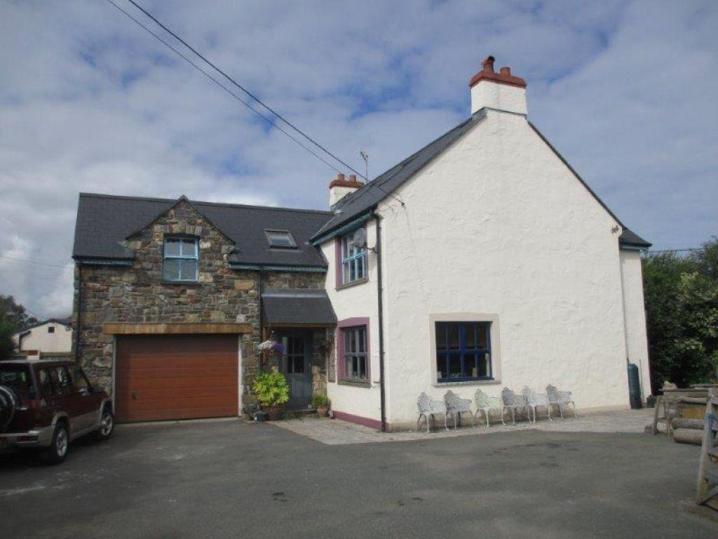 5 Bedrooms Detached House for sale in Spring Hill, Dinas Cross, Newport