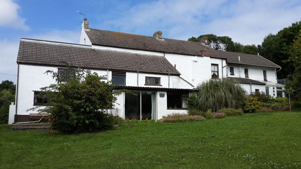 8 Bedrooms Detached House for sale in Rickeston Bridge, Haverfordwest