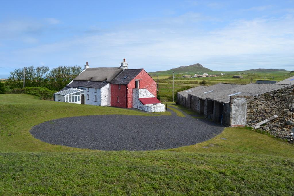 5 Bedrooms Detached House for sale in St Justinian's, St David's