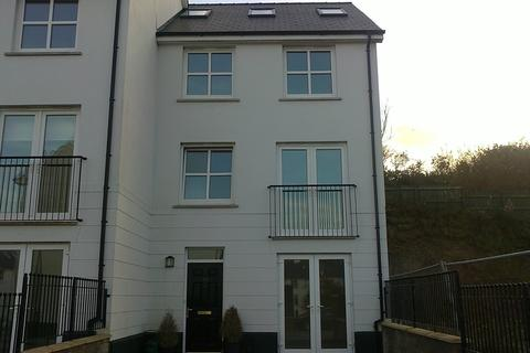 4 bedroom end of terrace house to rent - 111 Kensington Gardens, Haverfordwest. SA61 2SF