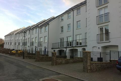 4 bedroom terraced house to rent - 117 Kensington Gardens, Haverfordwest. SA61 2SF