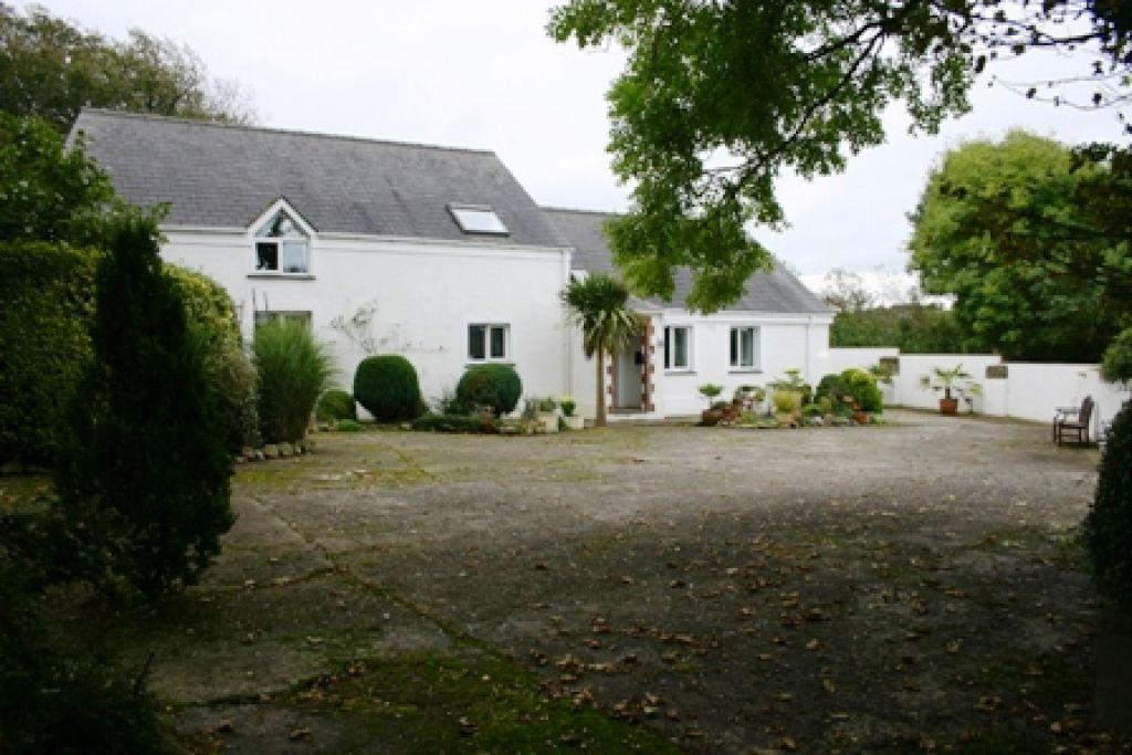 4 Bedrooms Barn Conversion Character Property for sale in Castlemorris, Haverfordwest