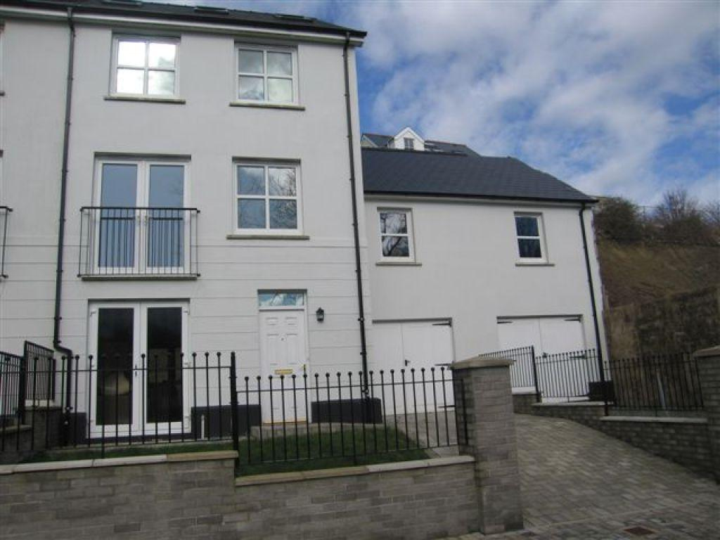 5 Bedrooms Town House for sale in Kensington Gardens, Haverfordwest