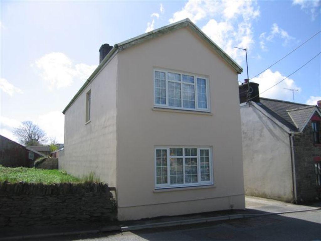 3 Bedrooms Detached House for sale in St Davids Road, Letterston, Haverfordwest
