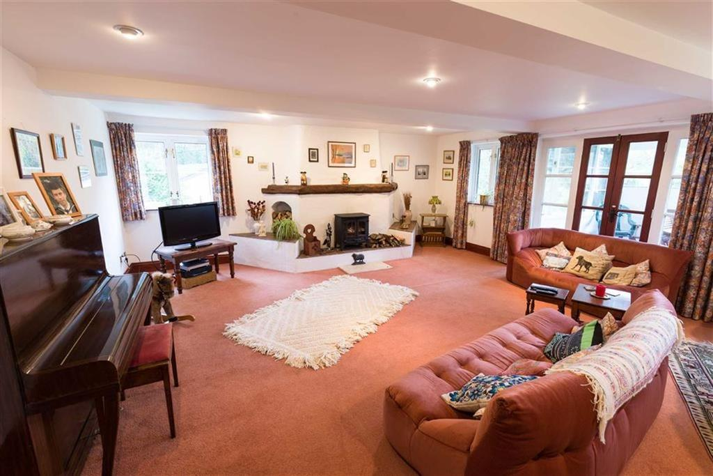 6 Bedrooms Equestrian Facility Character Property for sale in Monmouth, Monmouthshire
