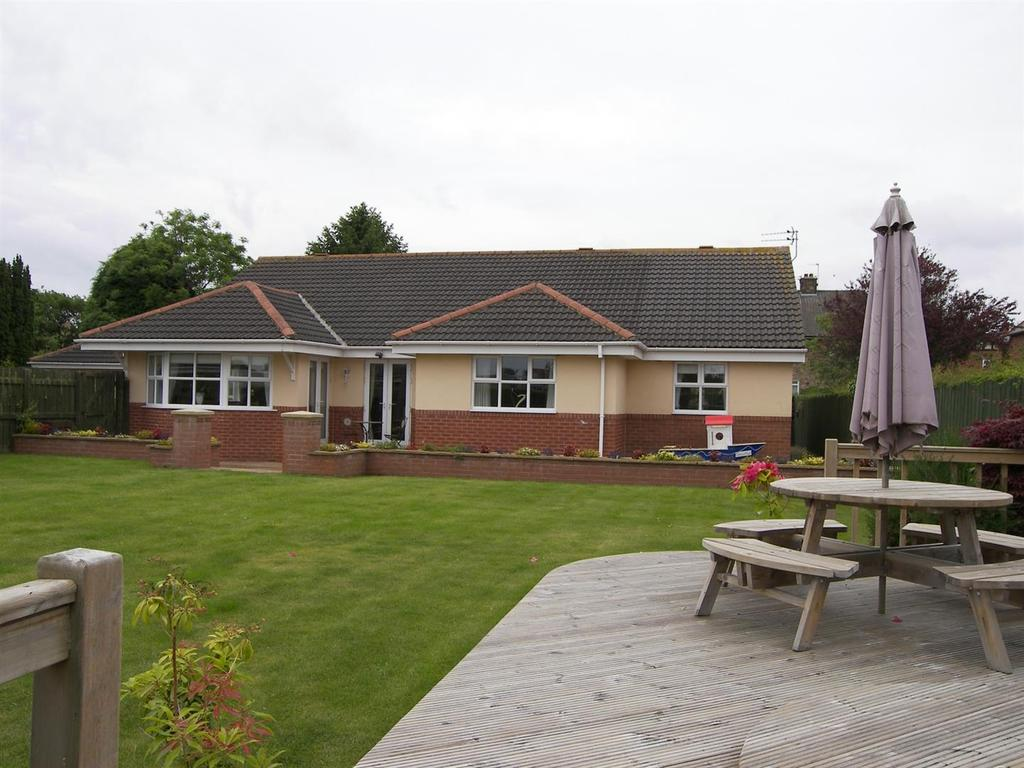 5 Bedrooms Detached Bungalow for sale in Lawn Court, Green Lane Ashington
