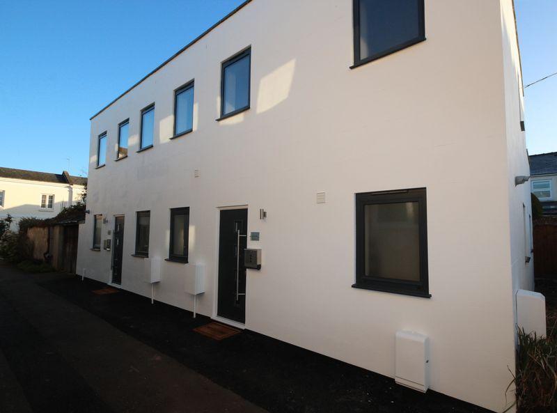 3 Bedrooms Semi Detached House for sale in Tivoli Walk, Cheltenham