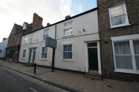 Studio to rent - Gillygate, York