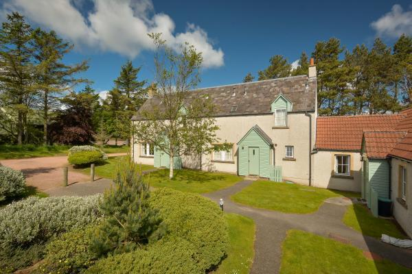 3 Bedrooms Terraced House for sale in No. 2 Balmashie Cottages, St. Andrews, Fife, KY16
