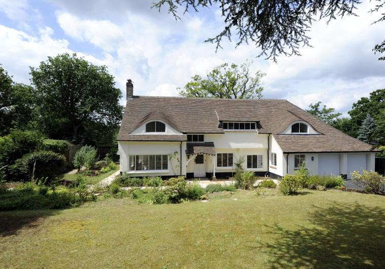 5 Bedrooms Detached House for sale in Sutton Place, Abinger Hammer