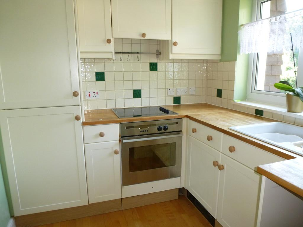 2 Bedrooms Apartment Flat for rent in Police Station Road, West Malling