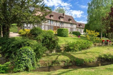 8 bedroom detached house  - Traditional Manor Near Lisieux, Calvados, Normandy