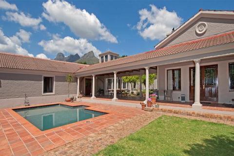 4 bedroom farm house  - Romond Vineyards, Klein Helderberg Road, Stellenbosch, Western Cape