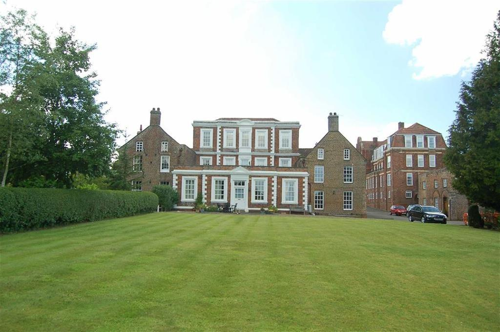 2 Bedrooms Flat for sale in Hunmanby Hall, Filey, North Yorkshire, YO14