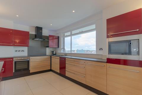 3 bedroom flat to rent - Montagu Court, Gosforth, Newcastle Upon Tyne, NE3