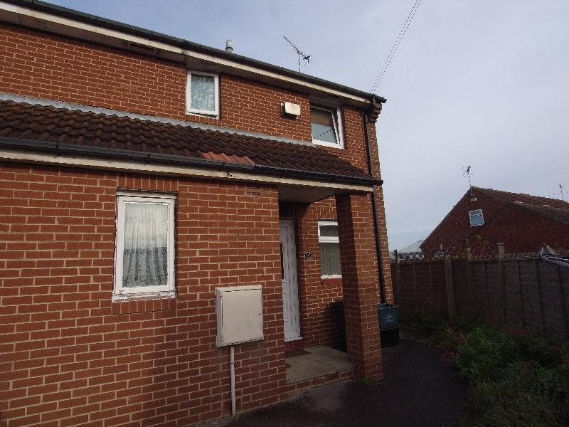 1 Bedroom Apartment Flat for rent in KELCBAR CLOSE, TADCASTER, LS24 9NY