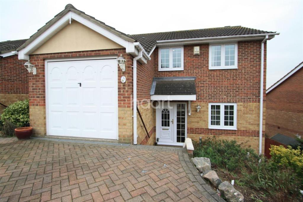 4 Bedrooms Detached House for sale in Seaview Avenue, Basildon