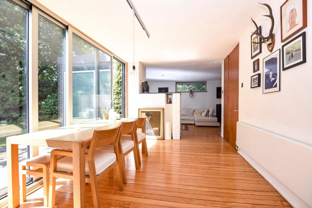 2 Bedrooms Detached House for sale in Shepperton Road, Petts Wood, BR5