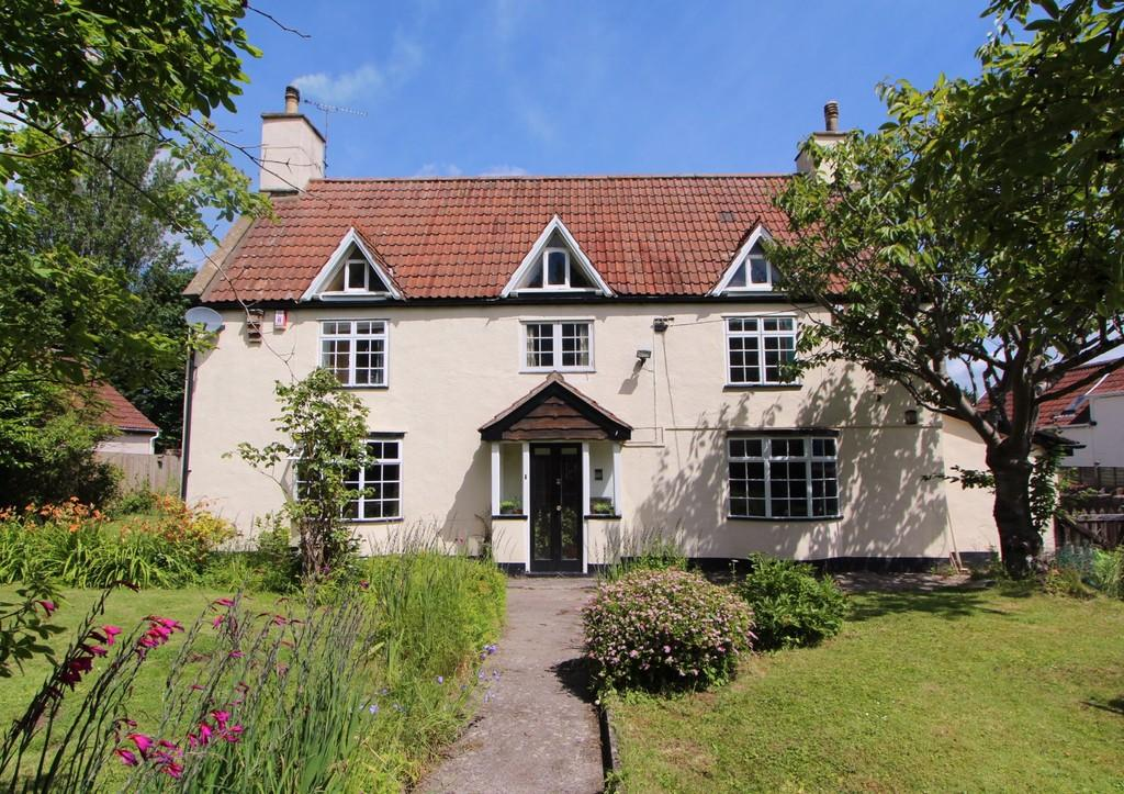 5 Bedrooms Detached House for sale in Lots of space in Langford!