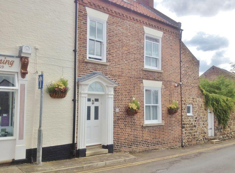 4 Bedrooms Town House for sale in Southgate, Hornsea