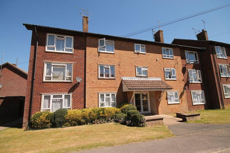 3 Bedrooms Apartment Flat for sale in Parklands Road, Hassocks, West Sussex,
