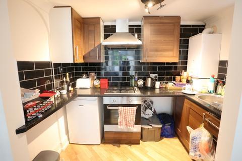 Ground floor flat to rent - Tivoli Crescent, Brighton