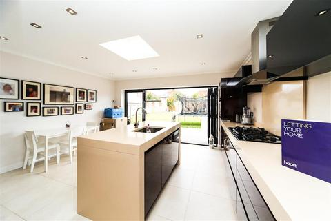 3 bedroom semi-detached house to rent - Clairvale Road
