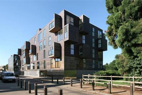 2 bedroom apartment to rent - The Steel Building, Kingfisher Way, Cambridge