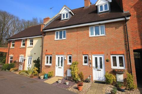3 bedroom townhouse to rent - Fullerton Close, Markyate