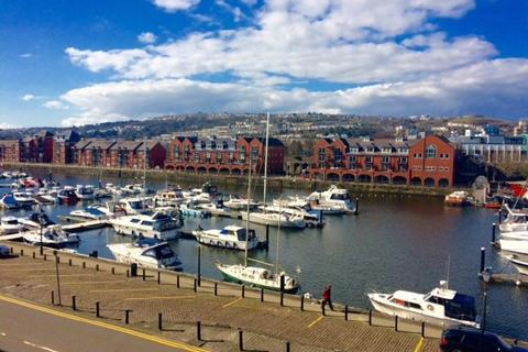 2 bedroom flat to rent - Fitzroy House, The Marina, Swansea