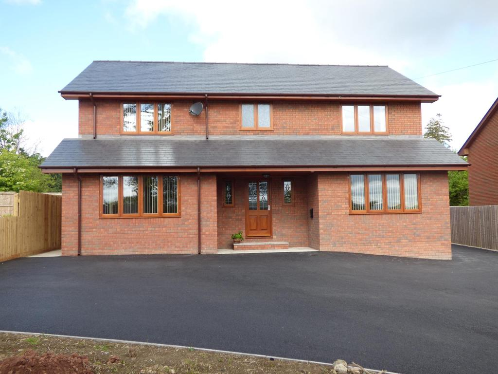 4 Bedrooms Detached House for sale in Nant Y Groes, Llanyre, Llandrindod Wells, Powys