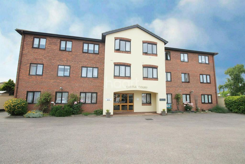 2 Bedrooms Flat for sale in Castle Road