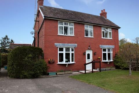 3 bedroom detached house for sale - Hookagate, Shrewsbury, SY5 8BE