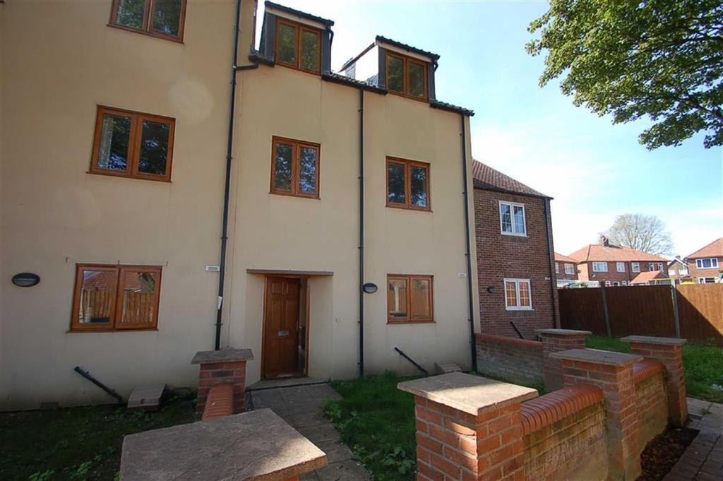 2 Bedrooms Terraced House for sale in High Green, Bridlington, East Yorkshire, YO16