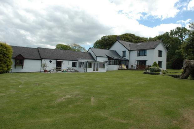 6 Bedrooms Detached House for sale in Blaenffos, Boncath, Pembrokeshire