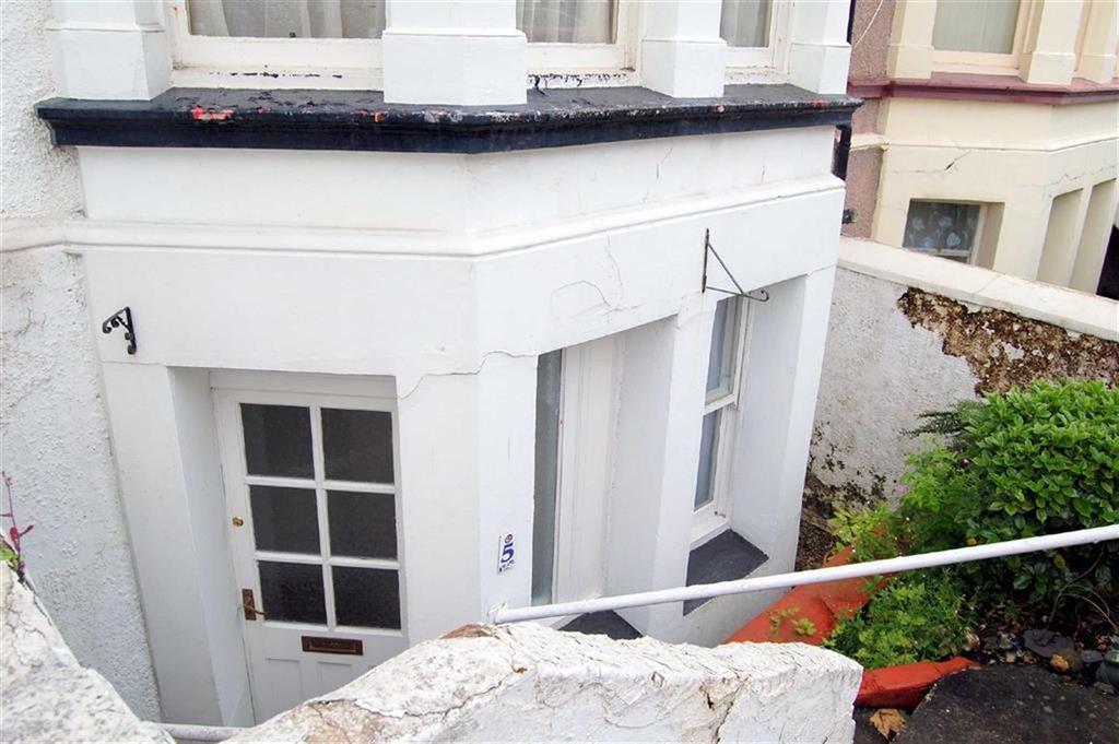 2 Bedrooms Apartment Flat for sale in Llewelyn Avenue, Llandudno, Conwy