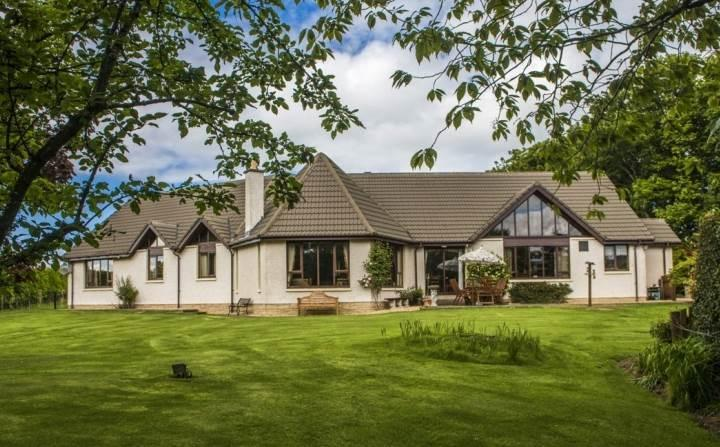 4 Bedrooms Detached Bungalow for sale in Troves Villa, Elgin, Morayshire, IV30