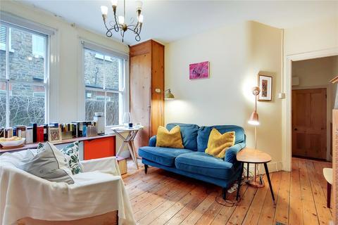 3 bedroom maisonette to rent - Barnard Road, London
