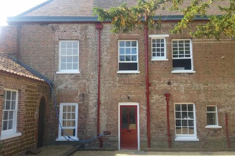 2 bedroom townhouse to rent - Gayton Road, Kings Lynn